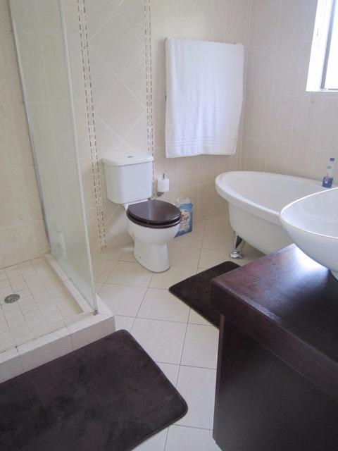 Property For Sale in Vierlanden, Durbanville 14