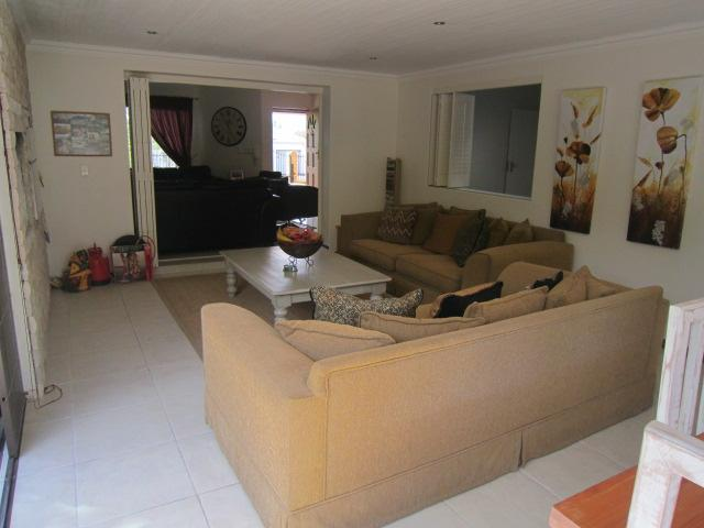 Property For Sale in Vierlanden, Durbanville 10