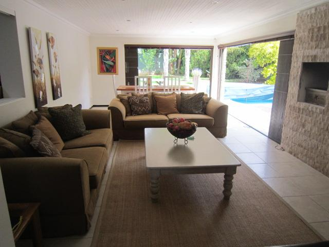 Property For Sale in Vierlanden, Durbanville 11