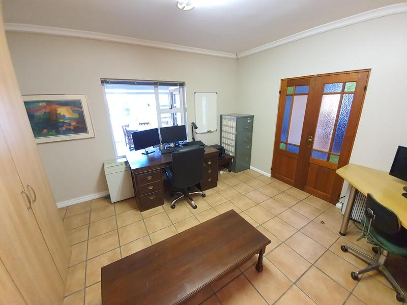 Property For Sale in D'Urbanvale, Cape Town 18