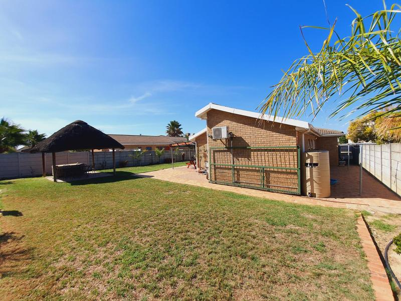 Property For Sale in Uitzicht, Cape Town 7