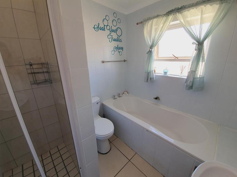 Property For Sale in Uitzicht, Cape Town 43
